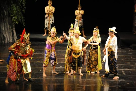 Indonesian Theater Summary  History, Arts, and Development  Facts of Indonesia