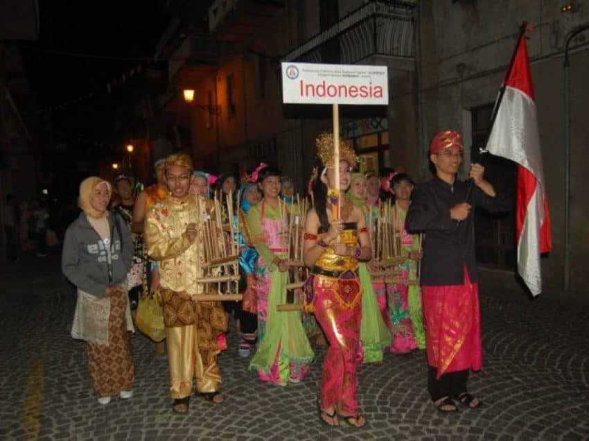 4 Things about Indonesian Angklung Facts – Fascinating