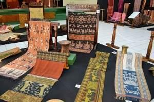 The History of Batik Indonesia
