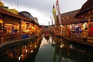 Indonesian Floating market, indonesian, places, market