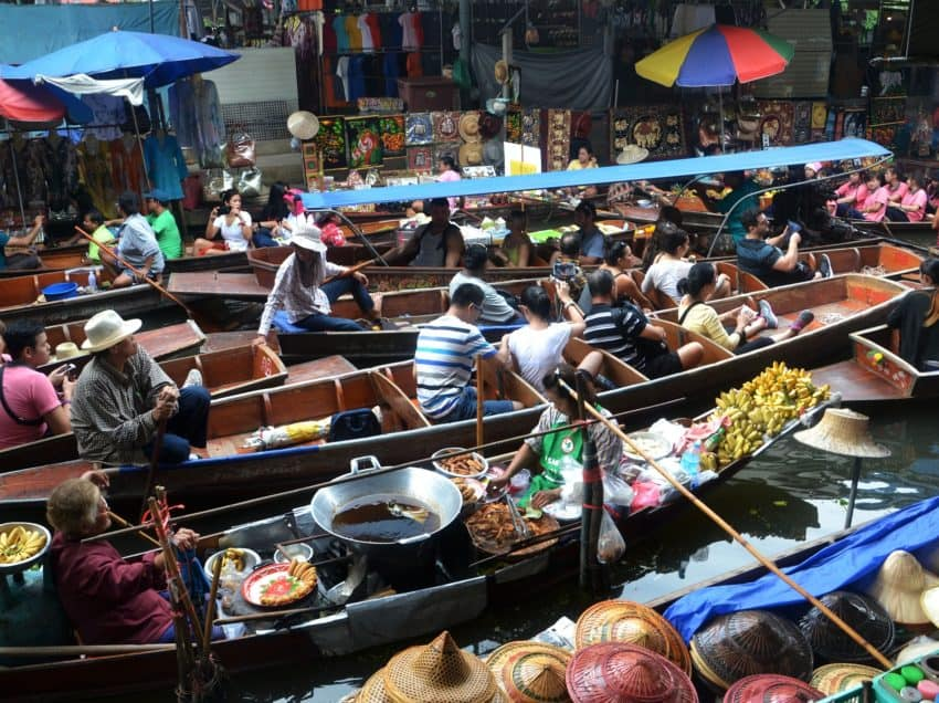 10 Popular Traditional Markets in Indonesia