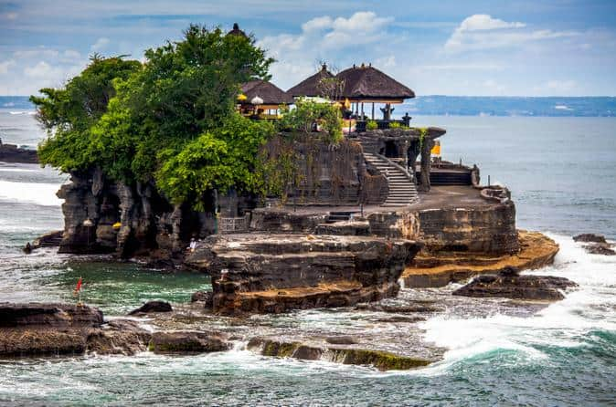 History of Tanah Lot Temple and the Legend