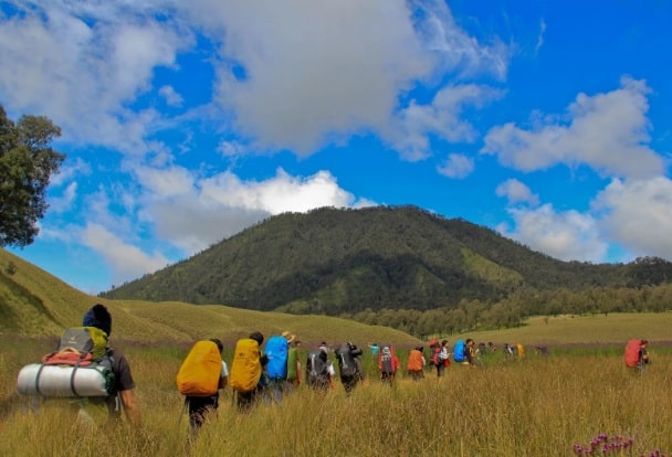 Top 8 Best Mountain for Hiking in Indonesia