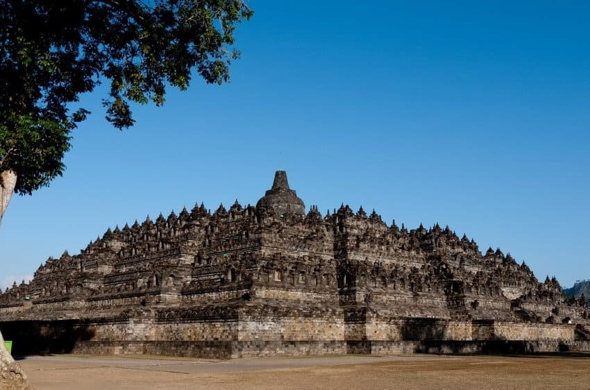 Top 10 Largest Temple in Indonesia (#1 is Popular)