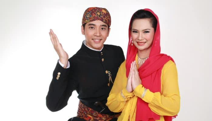 10 Most Popular Traditional Clothes of Indonesia