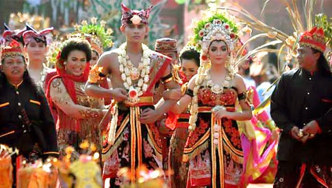 17 Indonesian Marriage Traditions – Ceremonies