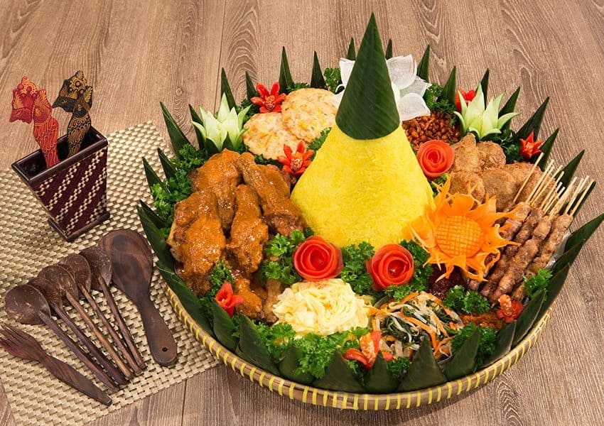 Top 40+ Famous Food of Indonesia with Rich Taste Must Try