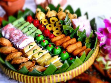 Top 17 Traditional Cakes in Indonesia with Savoury Taste