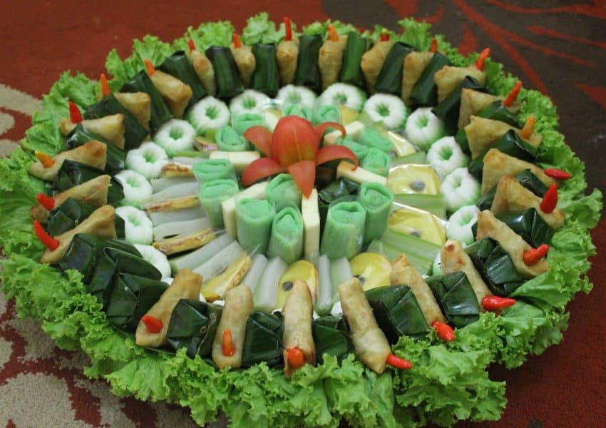 25 Appetizing Indonesian Traditional Snacks