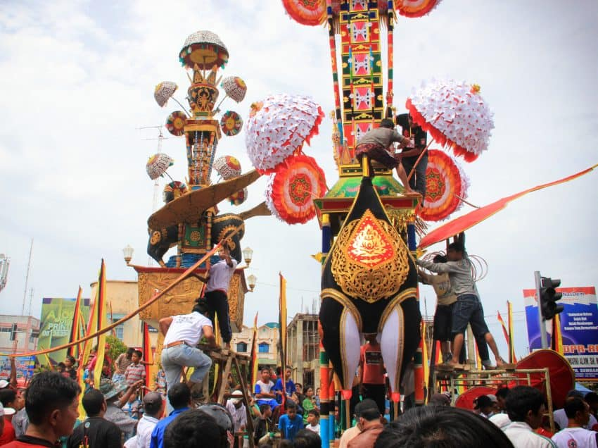 15 Unusual Traditions in Indonesia (#2 is Extreme)