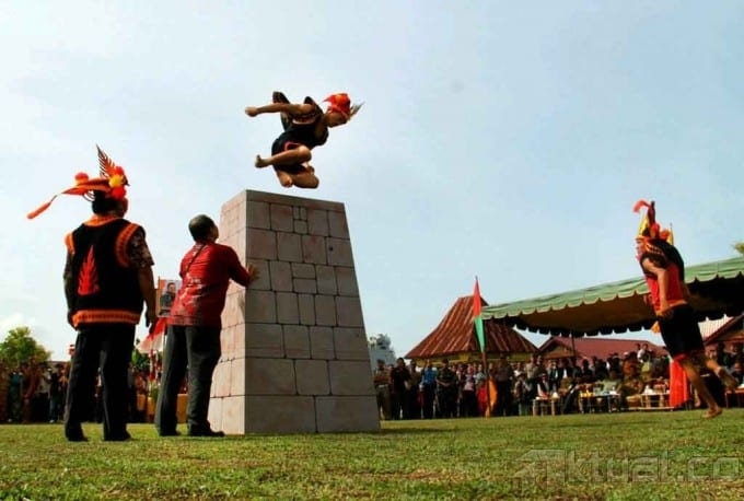 10 Unusual Sports in Indonesia  (#6 is Unique)