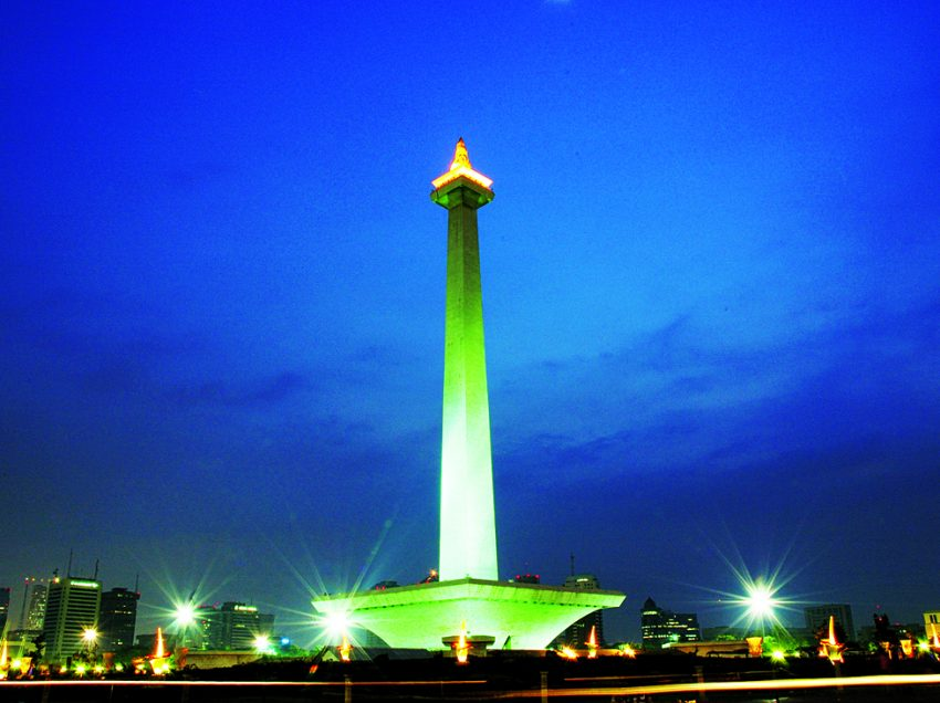 History of Monas (Indonesian No.1 Landmark)