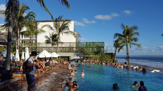 10 Best Bali Party Places