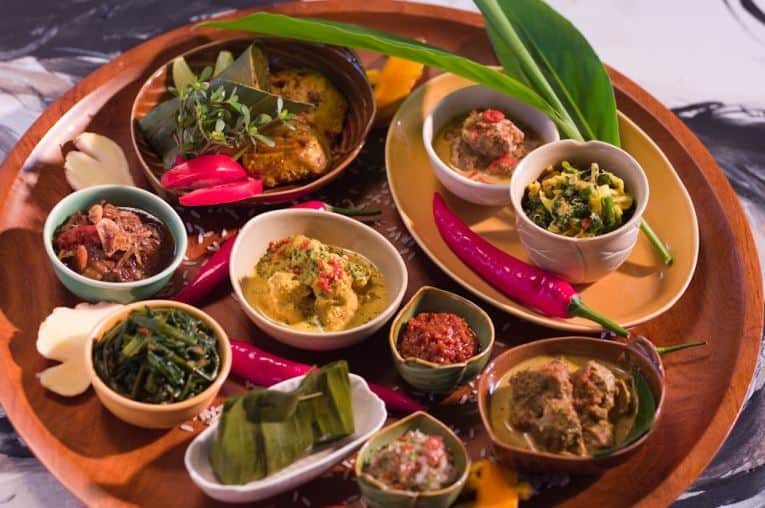 20 Delicious and Popular Foods to Eat in Bali