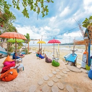 14 Recommended Places Must Go Cafe in Bali