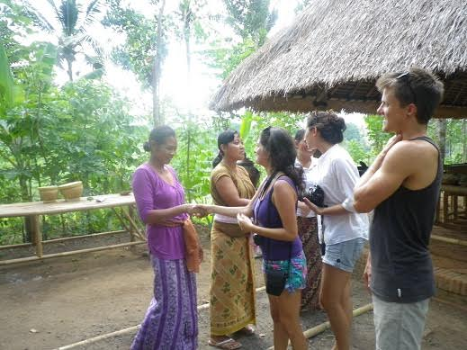 13 Tips To Socialize With Bali People Fast in A Polite Way