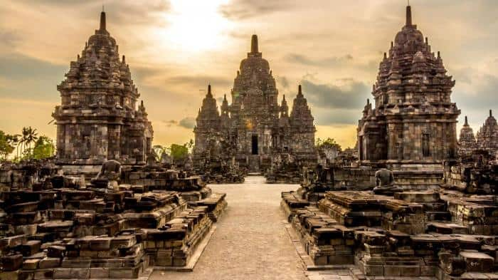 15 Historical Temple in Yogyakarta : The Legends of Culture City