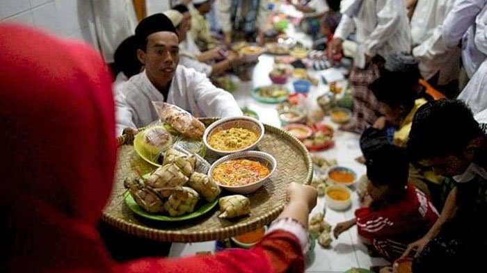 The 15 Things Not to Do When Celebrate Eid Al Fitr in Indonesia : Things You Should Always Remember