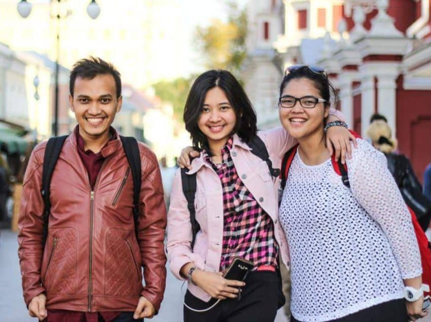 5 Reasons Why People of Indonesia Has Never Ending Friendliness