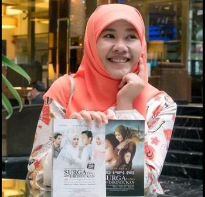 Indonesian Female Writers - Asma Nadia