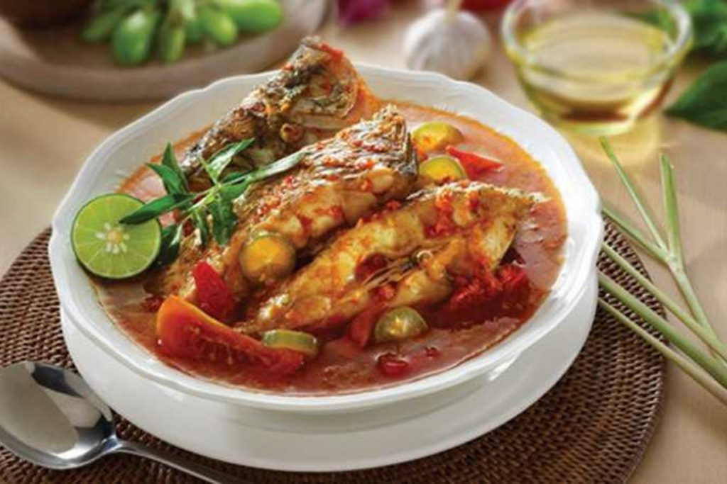 Patin Fish with Sour Spicy Sauce