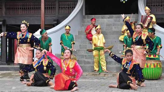 Sendratari Putri Gading Cempaka Dance