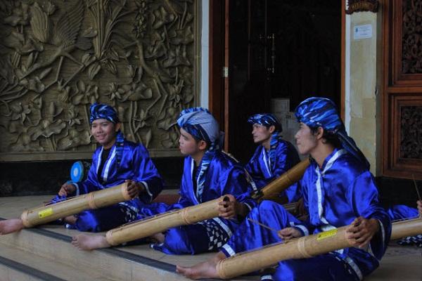 Bamboo Pantun