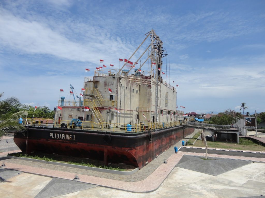 PLTD Apung and the Ship of Atap Rumah Aceh