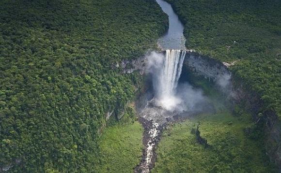 Nokan Nayan Waterfall