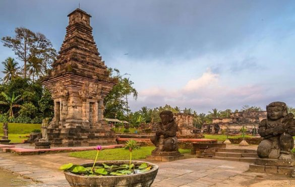 buddhist kingdom in indonesia