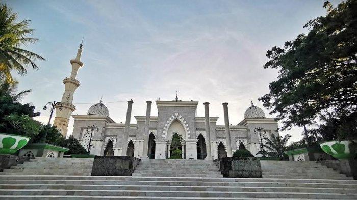 The Mosque of Raya Makassar