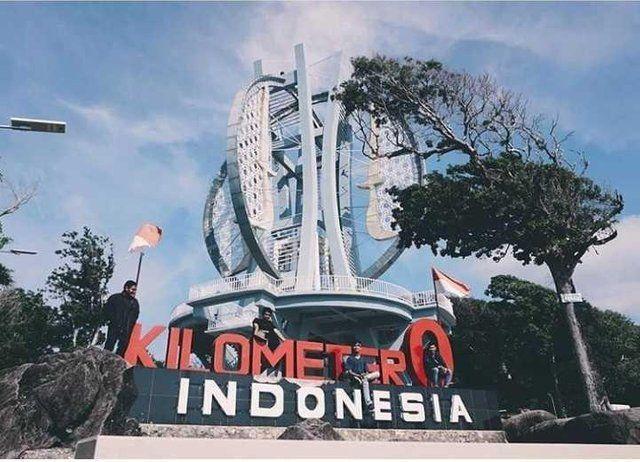 0 Kilometer Monument