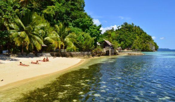 beaches in eastern indonesia