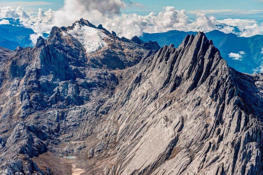 jaya wijaya mountain