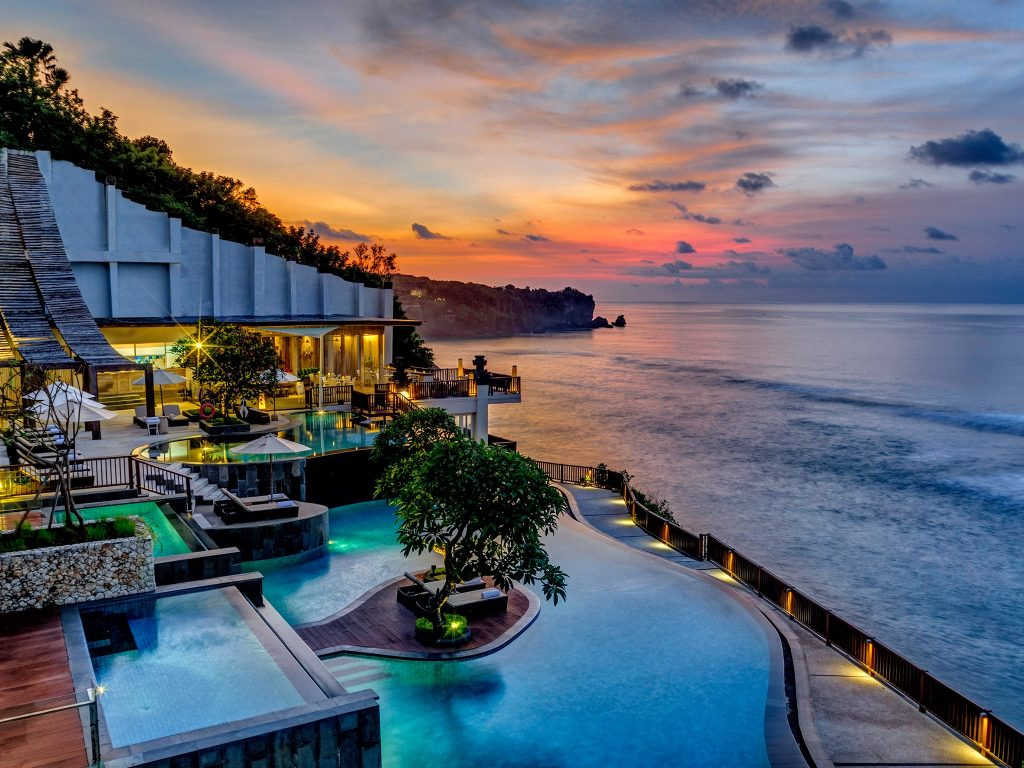 most luxurious hotel in bali